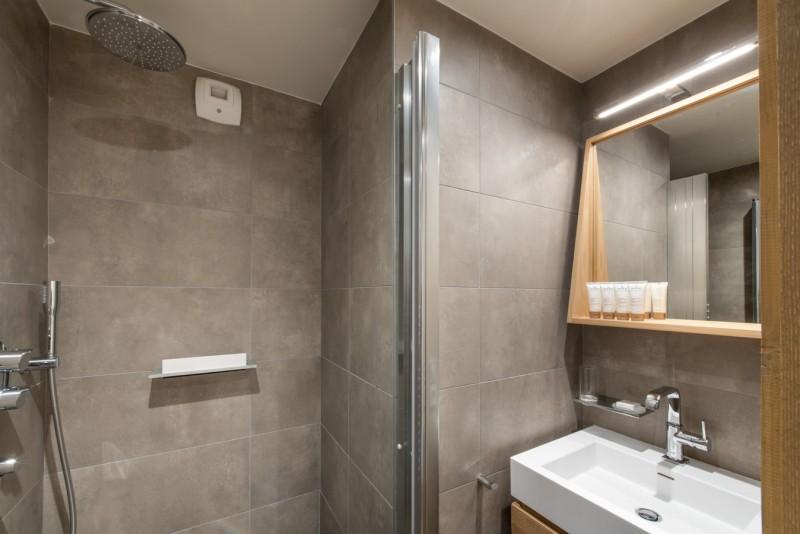 Annapurna-A202-salle-de-bain-location-appartement-chalet-Les-Gets