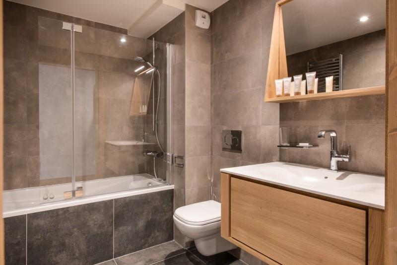 Annapurna-A202-salle-de-bain3-location-appartement-chalet-Les-Gets