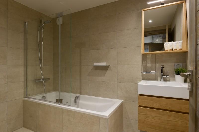 Annapurna-A204-salle-de-bain-location-appartement-chalet-Les-Gets