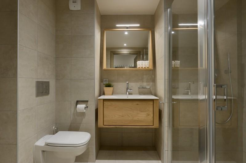 Annapurna-A204-salle-de-bain3-location-appartement-chalet-Les-Gets
