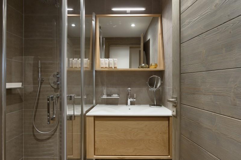 Annapurna-A302-salle-de-bain3-location-appartement-chalet-Les-Gets