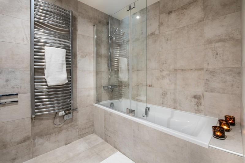 Annapurna-B101-salle-de-bain3-location-appartement-chalet-Les-Gets