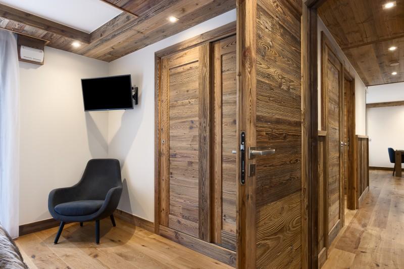 Annapurna-B104-chambre-TV-location-appartement-chalet-Les-Gets