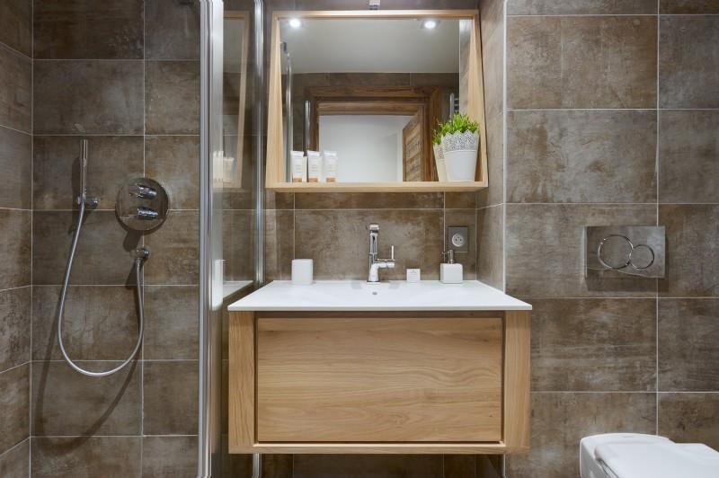 Annapurna-B201-salle-de-bain2-location-appartement-chalet-Les-Gets