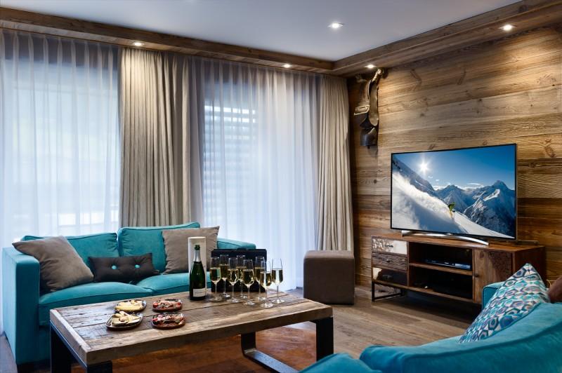 Annapurna-B201-salon-TV-location-appartement-chalet-Les-Gets