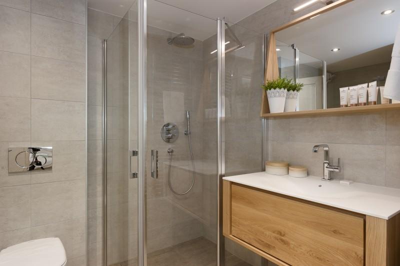 Annapurna-B202-salle-de-bain2-location-appartement-chalet-Les-Gets