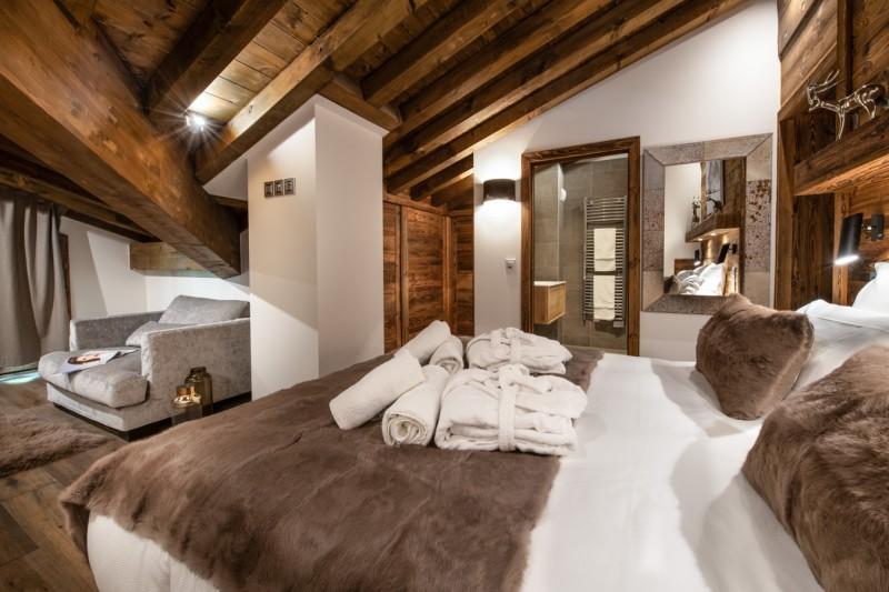 Annapurna-B301-chambre-double-canape2-location-appartement-chalet-Les-Gets