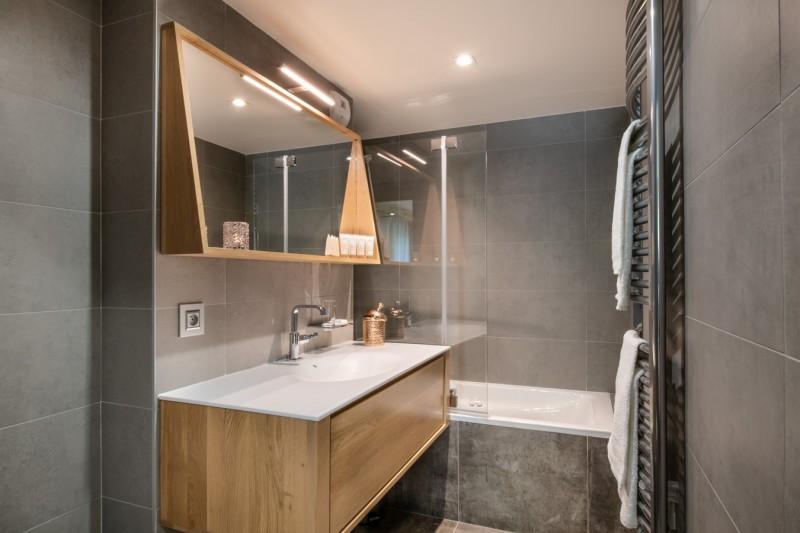 Annapurna-B301-salle-de-bain-location-appartement-chalet-Les-Gets