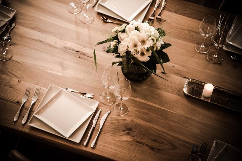 Annapurna-B301-table-repas-location-appartement-chalet-Les-Gets