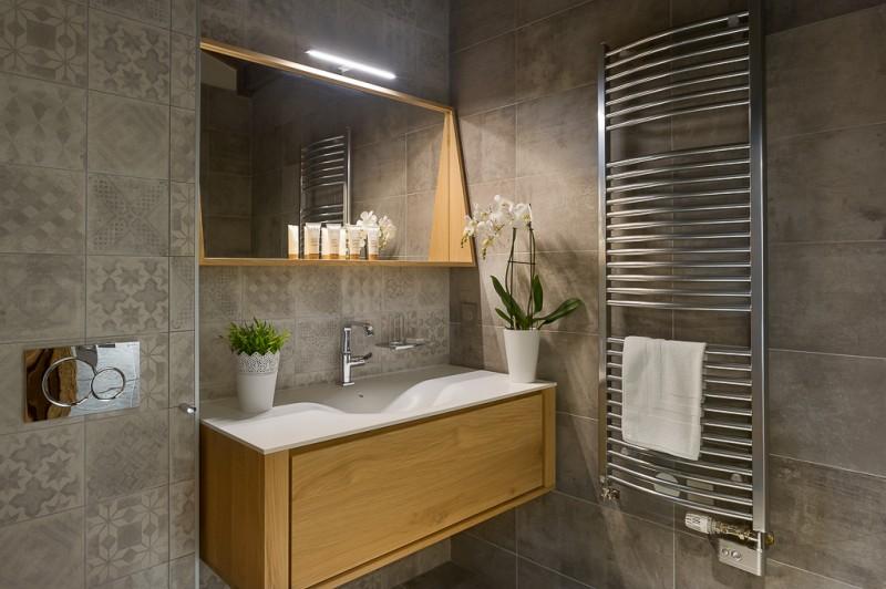 Annapurna-B302-salle-de-bain3-location-appartement-chalet-Les-Gets