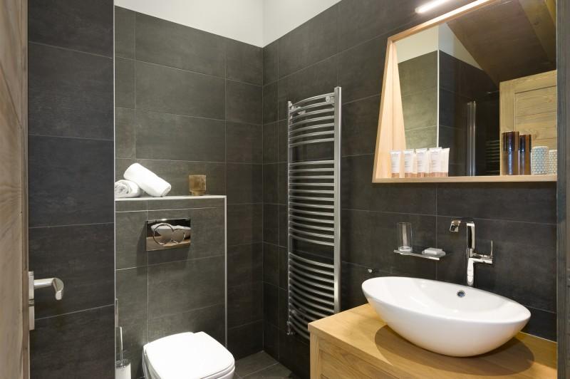 Annapurna-B303-salle-de-bain3-location-appartement-chalet-Les-Gets