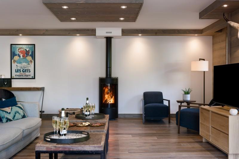 Annapurna-B303-salon-cheminee-location-appartement-chalet-Les-Gets