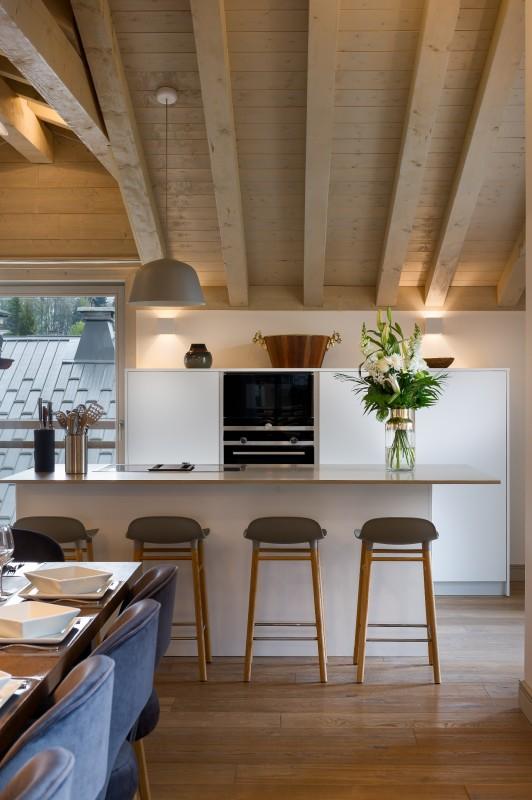 Annapurna-B304-sejour-cuisine-location-appartement-chalet-Les-Gets