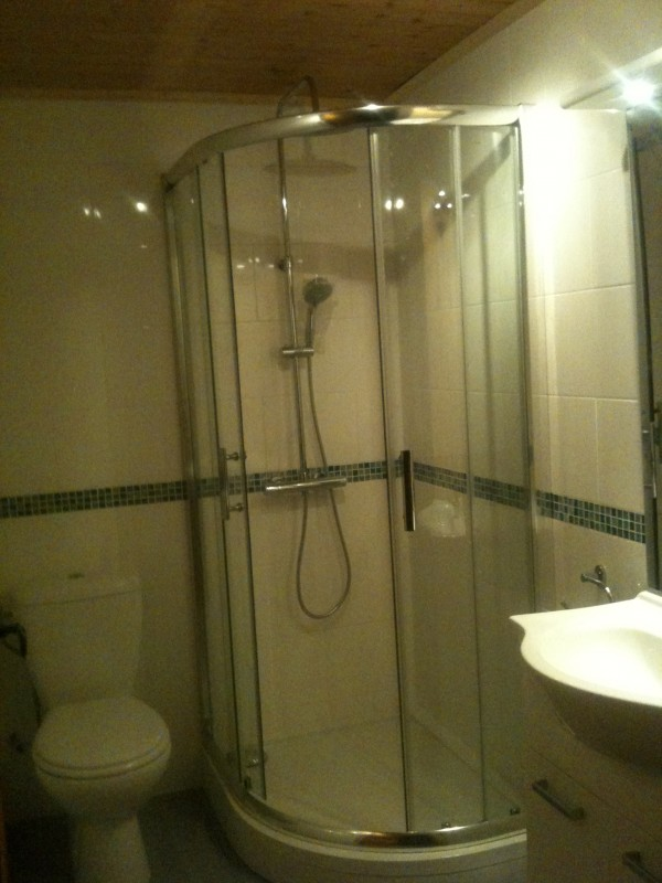 apartment-shower-room1-166