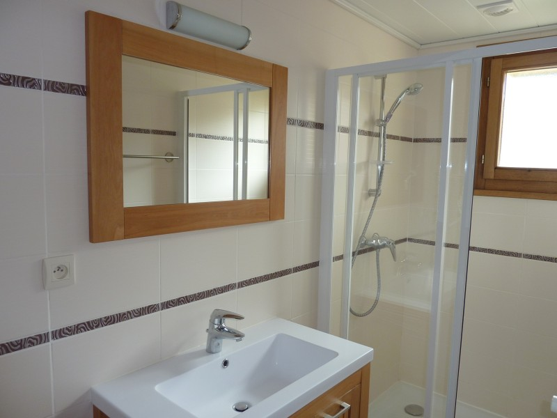 Armaillis-1-salle-de-bain-location-appartement-chalet-Les-Gets