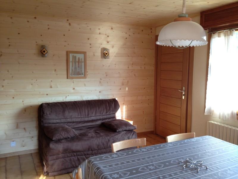 Armaillis-2-salon-location-appartement-chalet-Les-Gets
