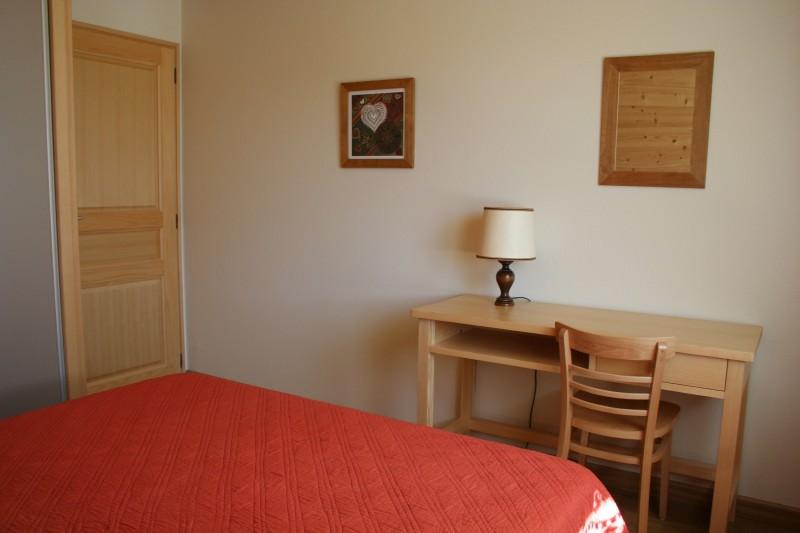 Armaillis-3-chambre-lit-double1-location-appartement-chalet-Les-Gets
