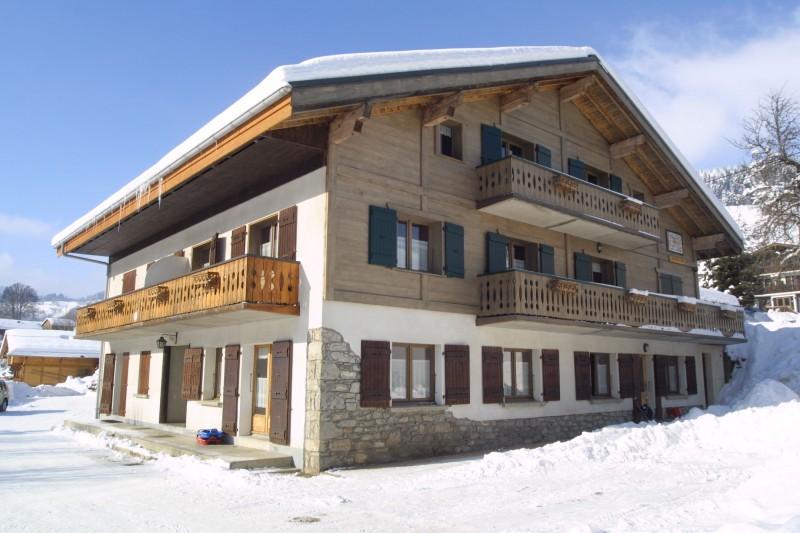 Arolle-1-exterieur-hiver-location-appartement-chalet-Les-Gets