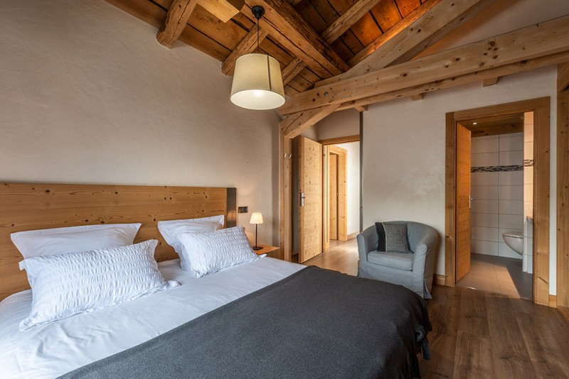 Arolle-Ourson-chambre-double2-location-appartement-chalet-Les-Gets