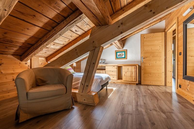 Arolle-Ourson-chambre-lit-simple-location-appartement-chalet-Les-Gets