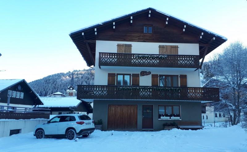 Aulnaie-2-exterieur-hiver-location-appartement-chalet-Les-Gets