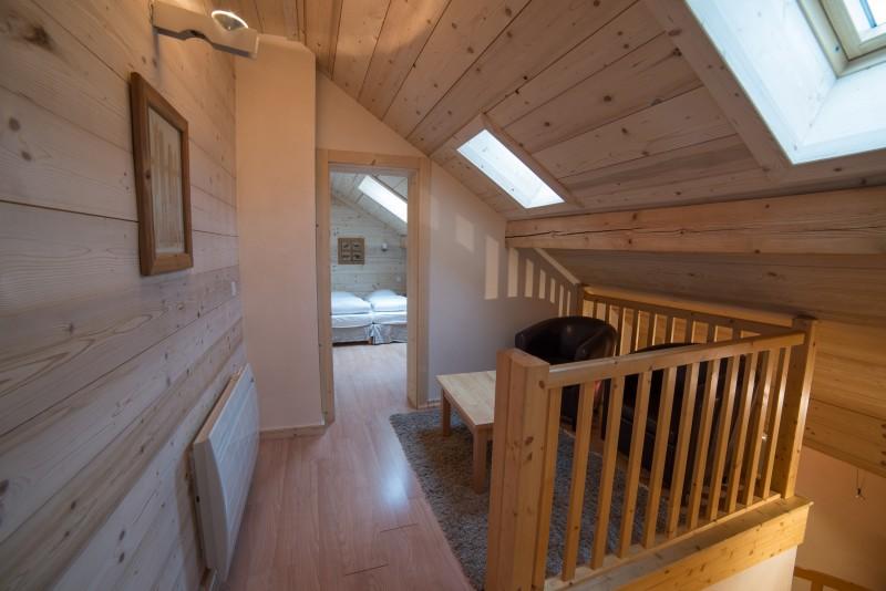 Azalees-7-chambre-etage-location-appartement-chalet-Les-Gets