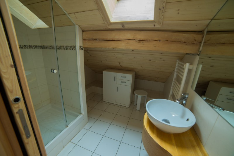 Azalees-7-salle-de-bain1-location-appartement-chalet-Les-Gets