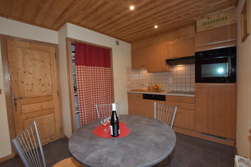 Beau-Sejour-2-cuisine1-location-appartement-chalet-Les-Gets