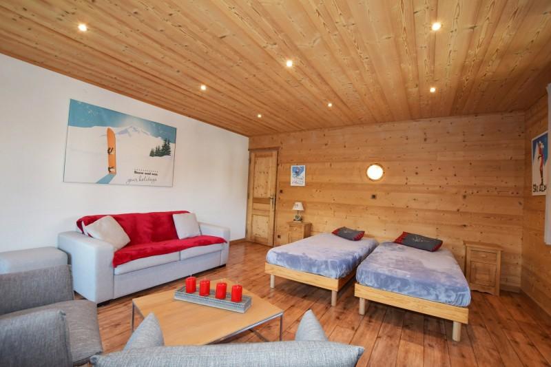 Beau-Sejour-4-salon-chambre-location-appartement-chalet-Les-Gets