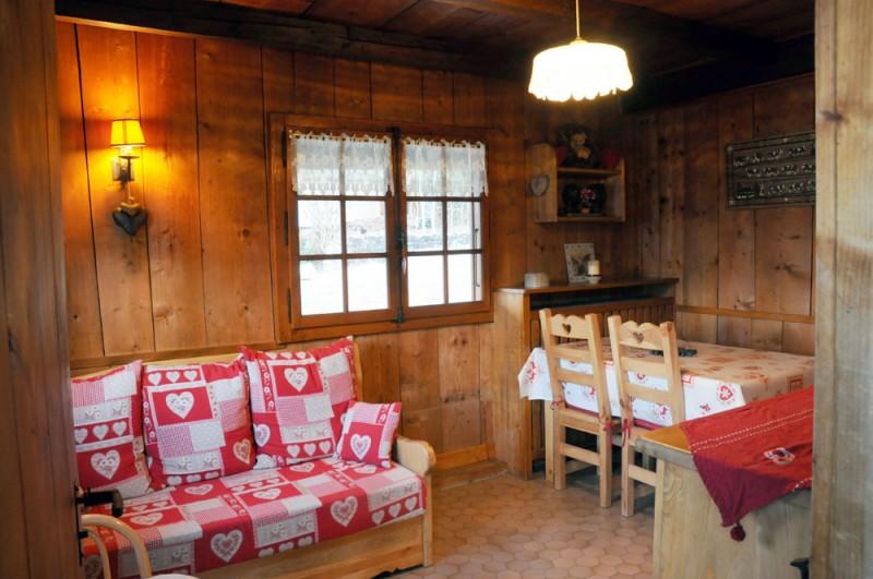 Benevy-salon-sejour-location-appartement-chalet-Les-Gets
