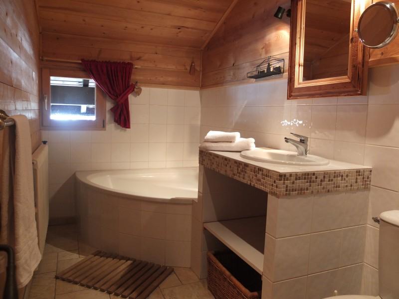 Berthet-Sports-Edelweiss-salle-de-bain-location-appartement-chalet-Les-Gets