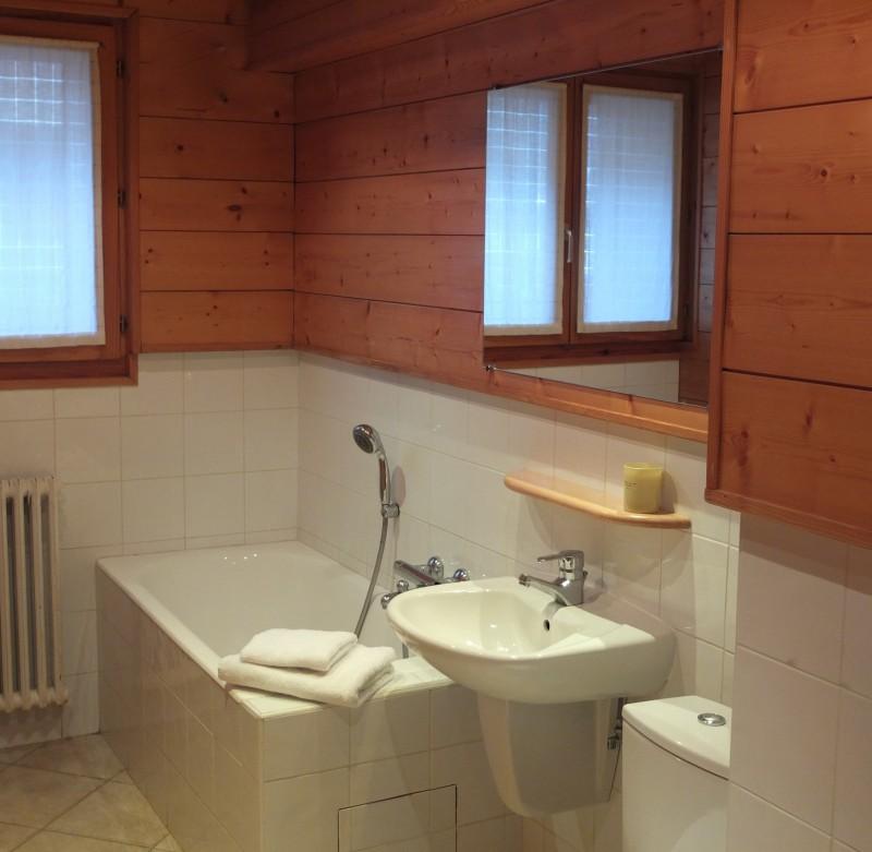 Berthet-Sports-Gentianes-salle-de-bain-location-appartement-chalet-Les-Gets