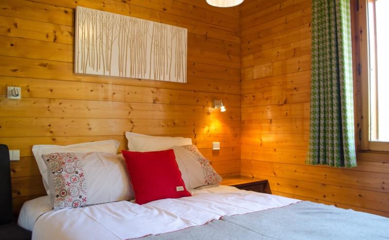 Blanchot-chambre-lit-double-location-appartement-chalet-Les-Gets