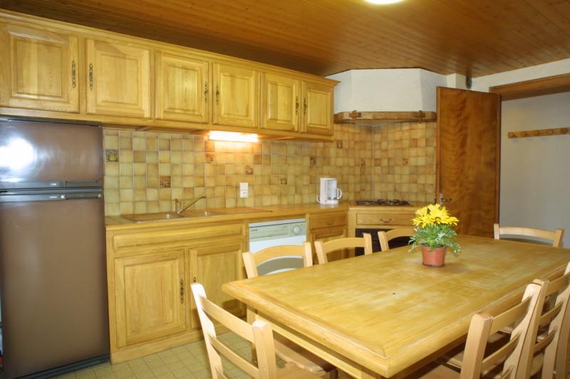 Bleuets-1-cuisine1-location-appartement-chalet-Les-Gets