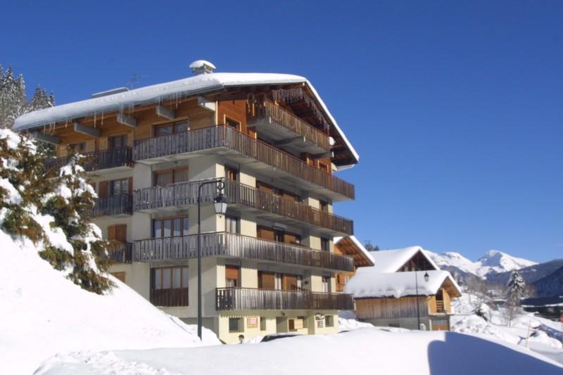 Bois-de-la-dent-3-exterieur-hiver-location-appartement-chalet-Les-Gets