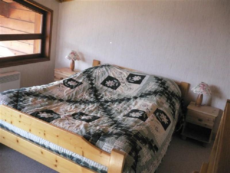 Bouillandire-C77-chambre-lit-double-location-appartement-chalet-Les-Gets
