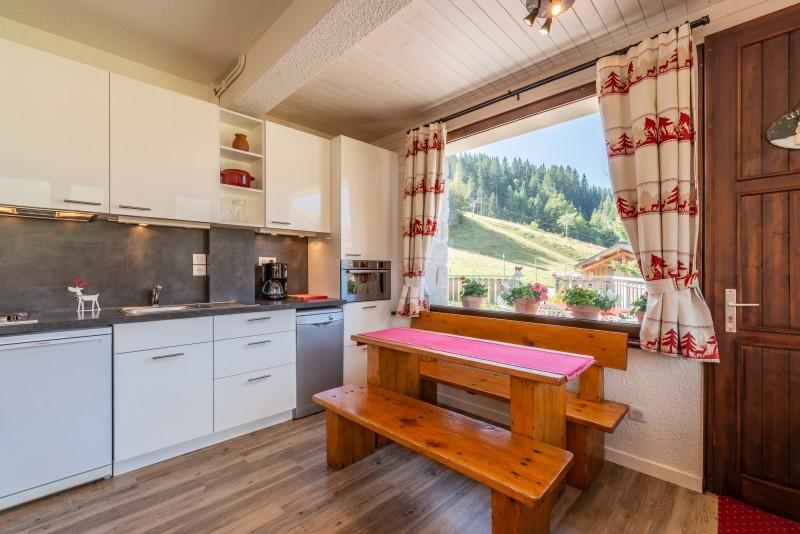 Caribou-1-cuisine-location-appartement-chalet-Les-Gets