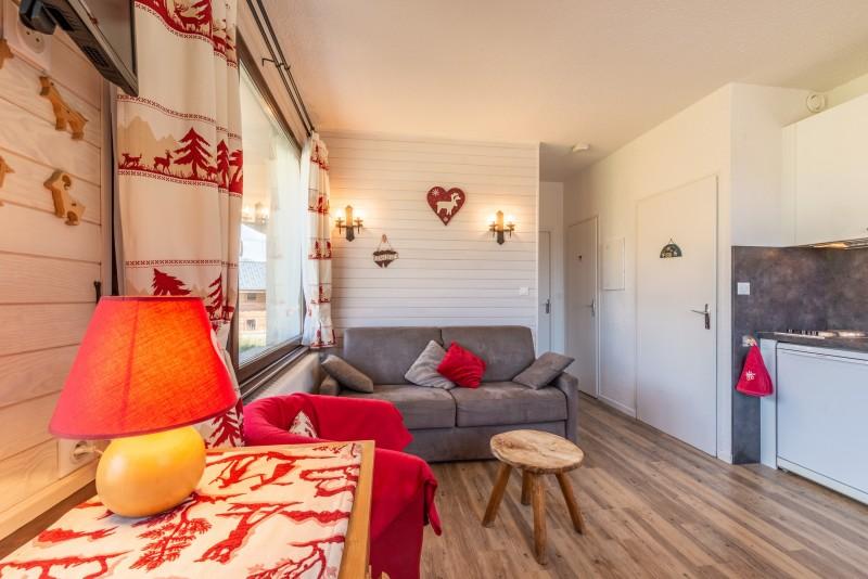 Caribou-1-salon-location-appartement-chalet-Les-Gets