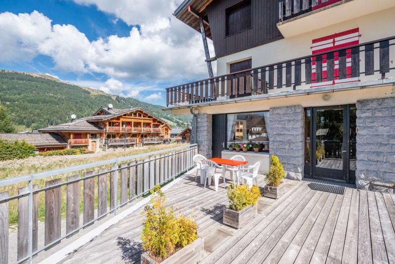Caribou-1-terrasse-location-appartement-chalet-Les-Gets