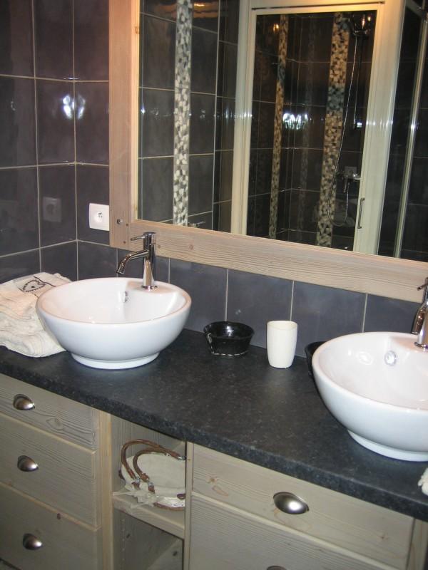 Carry-2-salle-de-bain-location-appartement-chalet-Les-Gets