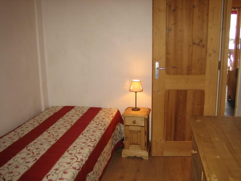 Carry-3-chambre1-location-appartement-chalet-Les-Gets