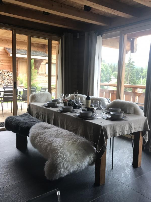 Chalet-Aramis-salle-a-manger-location-appartement-chalet-Les-Gets