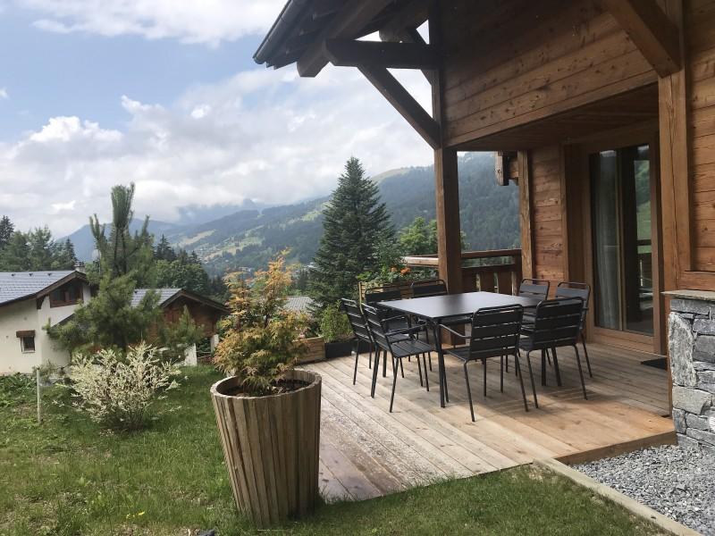 Chalet-Aramis-terrasse-location-appartement-chalet-Les-Gets