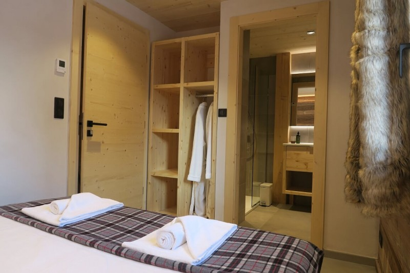 Chalet-du-Coin-chambre-lit-double3-location-appartement-chalet-Les-Gets