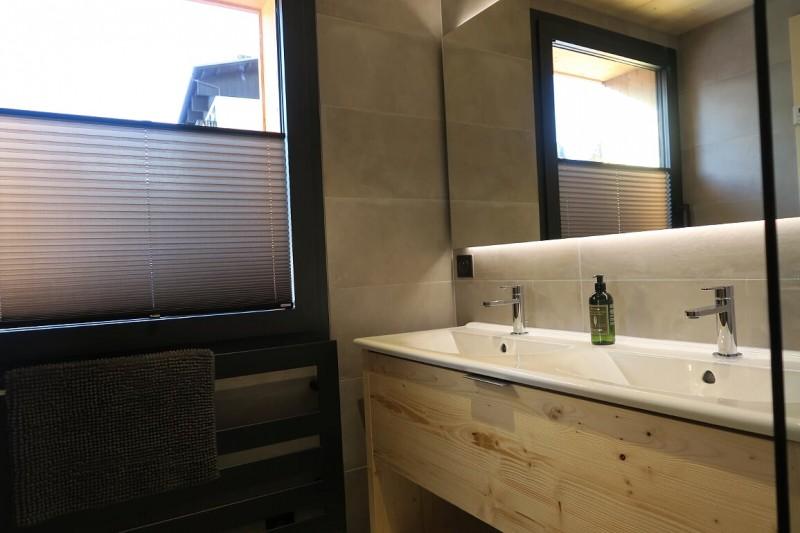 Chalet-du-Coin-salle-de-bain-location-appartement-chalet-Les-Gets