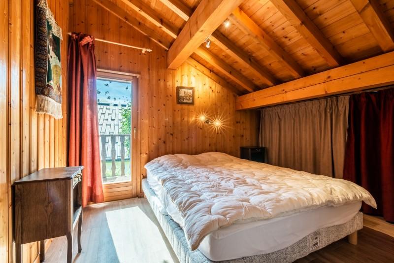 Chalet-La-Taniere-chambre double-location-appartement-chalet-Les-Gets