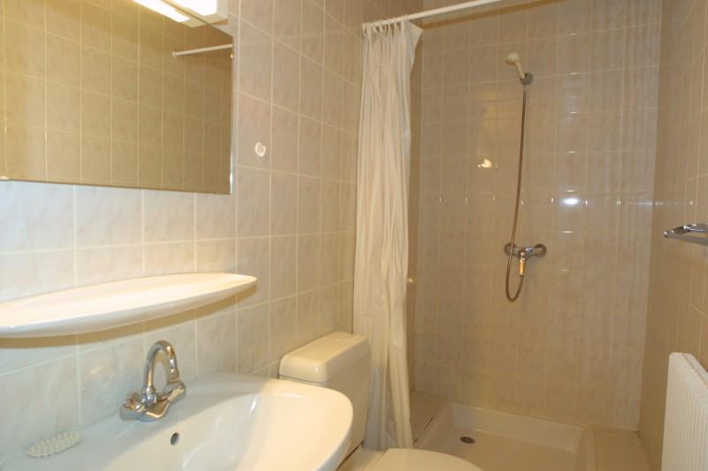 Chamioret-3-Liseron-salle-de-bain1-location-appartement-chalet-Les-Gets