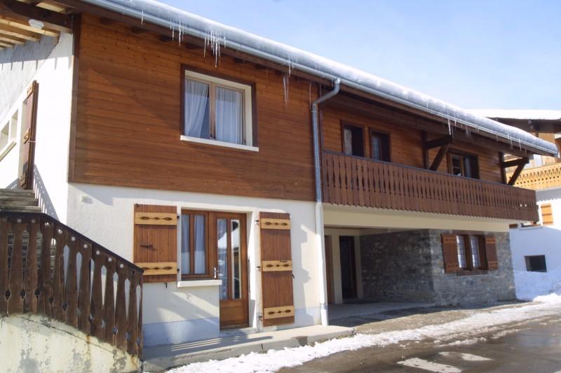 Chamioret-4-Bleuets-exterieur-hiver-location-appartement-chalet-Les-Gets