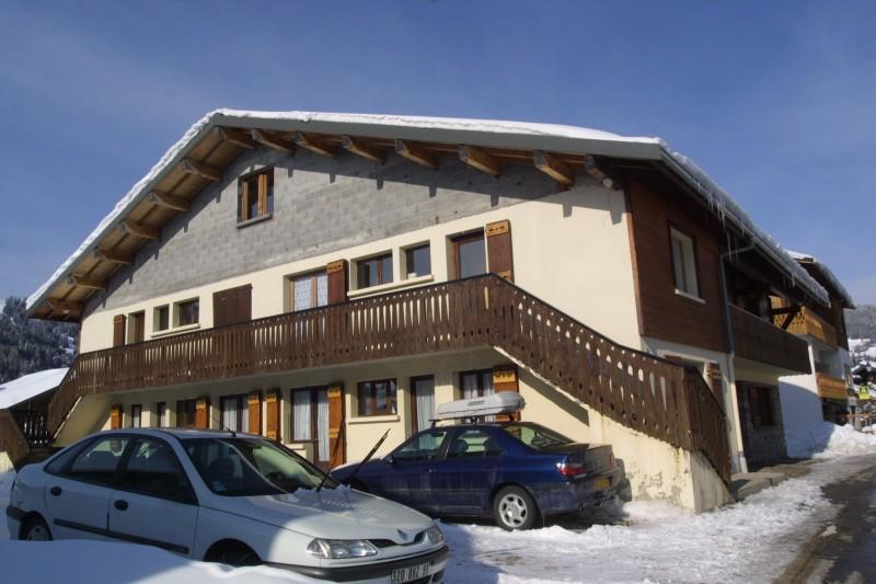 Chamioret-4-Bleuets-exterieur-hiver1-location-appartement-chalet-Les-Gets