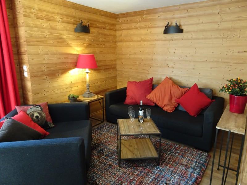 Chaumiere-2-4pieces-6personnes-salon-location-appartement-chalet-Les-Gets